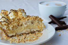 Koffietijd! #taart #schuim #chocolade #noten #lekker #gebak
