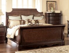 I love sleigh beds... the bigger the better