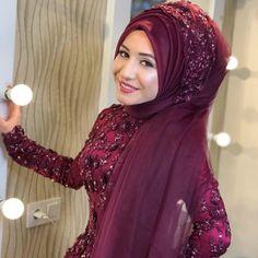 Beautiful Henna Designs, Moda Emo, Hijab Bride, Muslim Brides, Fitness Tattoos, Hijab Dress, The Dress, Wrap Style, Kaftan