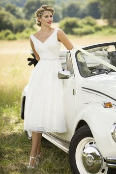 Tea Length Bridal and 50's Style Short Wedding Dresses | Brighton Belle | Bella | True Bride