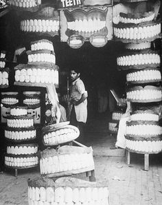 Denture Shop in Rawalpindi, India. 1940s. (Ferenc Berko photo collection)