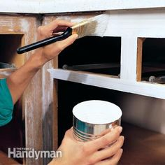 How to Paint Kitchen Cabinets. Type of paint-- oil- based vs a water-based acrylic paint.