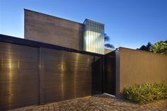 Residence in Belo Horizonte by Anastasia Architects   HomeDSGN