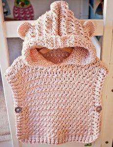 Ganchillo Poncho con capucha suéter, patrón por Mon Petit Violon