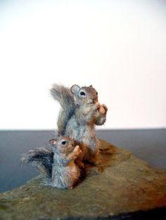 Dollhouse-Miniature-Squirrels-Handsculpted