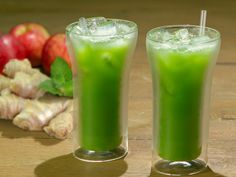 Detox Juices for Weigh Loss Lose Belly Smoothies Detox, Detox Diet Drinks, Juice Cleanse Recipes, Natural Detox Drinks, Detox Recipes, Detox Juices, Natural Juice, Detox Foods, Bebidas Detox