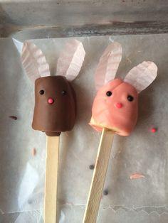 Raster party treat: dipped banana bunny pops!