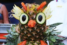 10 Jaw-Dropping Pictures Of Fruit Masquerading As Art, Edible Food, Edible Art, Owl Food, Healthy Birthday Cakes, Fruit Animals, Veggie Art, Food Sculpture, Sculptures, Owls