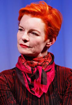 costume designer sandy powell - 701×1024