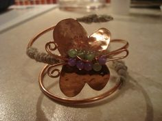 Cooper wire bracelet with cooper hammered butterfly decorated with beads and silk fabric. Arm Cuffs, Wire Jewelry Making, Silk Fabric, Butterfly, Style Inspiration, Beads, Bracelets, Earrings, Beading