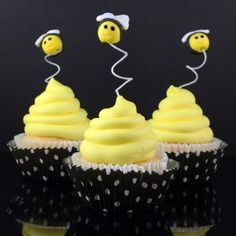 How to make bumble bee cupcake toppers