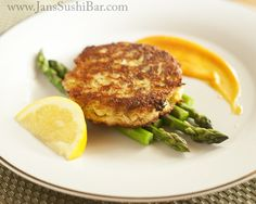 Gluten-Free Crab Cakes. Just make sure you use paleo mayo. #paleo