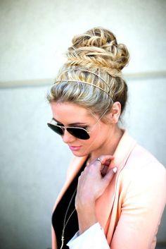 Pequeño y hermoso accesorio para el cabello - Nice little accesorie hairstyle