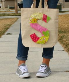 Quilt As You Go Initial Tote | This DIY bag is your new favorite accessory!