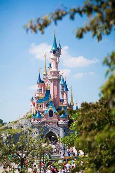 Frankreich: Dornröschenschloss in Disneyland Paris - Disneyland/-world❤ - Travel Disneyland Paris Noel, Disneyland World, Disneyland Resort, Disneyland Castle, Disney World Fotos, Disney World Pictures, Walt Disney World, Disney Worlds, Disney Babys