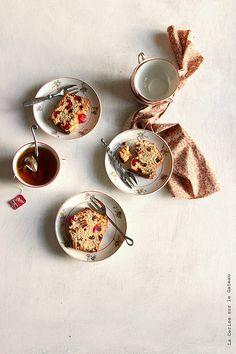 teatime007  english fruits cake & darjeeling tea Darjeeling Tea, Buffalo Chicken Dip Recipe, Best Tea, Cake In A Jar, Suppers, Fresh Fruit, English, Tea Time, Food Styling