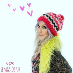 It's not just for boys!  Amazing lady Simone @simlikes asked me #widn ... thank you so much for thinking of me lovely!  Be sure to go see her beautiful Winter Wonderland colours inspired mandala she just made... it's stunning!!  Well... I am crocheting ALL the hats this afternoon for @afterglow.olney and loved making this pink colourway version of The Mr B Beanie so much!!  And look ladies @hgdesignscrochet @lostinknit @pidgemaleon... no sunglasses!!  would you like to play lovelies…