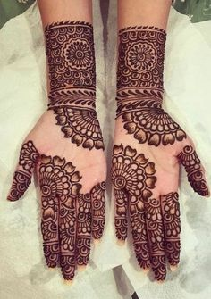 It is not easy to find out latest mehandi designs or new henna designs specially. It is not easy to find out latest mehandi designs or new henna designs specially when internet is f Dulhan Mehndi Designs, Mehndi Designs For Girls, Mehndi Designs For Beginners, Modern Mehndi Designs, Mehndi Design Pictures, Wedding Mehndi Designs, Beautiful Henna Designs, Latest Mehndi Designs, Mehendi