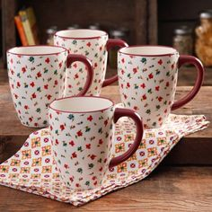 The Pioneer Woman Posies Jumbo Latte Mug Set, Pack Need two sets! The Pioneer Woman, Pioneer Woman Dishes, Pioneer Woman Kitchen, Pioneer Woman Recipes, Pioneer Women, Pioneer Woman Dinnerware, Lemon Kitchen Decor, Kitchen Ware, Kitchen Stuff