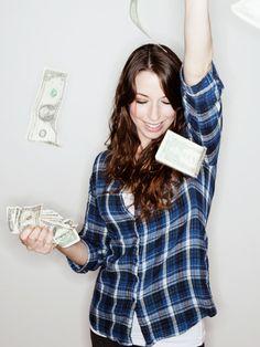 Hier findest du fünf kleine Tipps, wie du ganz easy Geld sparen kannst.
