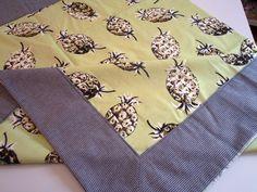 Toalha de mesa abacaxi