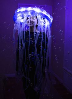 ON THE KATTWALK: DIY Jellyfish Costume (Glow-in-the-Dark)
