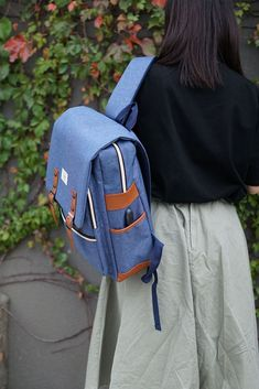 Cute Backpack for firls with the charging port. You are definitely the superstar on this backpack. Stylish Backpacks For College, Cute Backpacks For Women, School Backpacks, College Bags, Vintage Backpacks, School Fashion, Vintage Denim, Superstar, Fashion Backpack