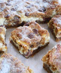 Chocolate Chip Cookie rutor   erikasfikastund Cookie Cake Pie, Cookie Dough, Grandma Cookies, Sweet Cooking, Something Sweet, Dessert Bars, Coffee Cake, Chocolate Chip Cookies, Love Food