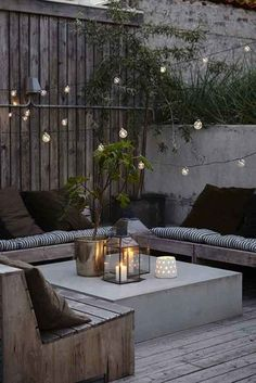 8 Keen Tips AND Tricks: Modern Backyard Garden Fire Pits backyard garden on a budget beautiful.Backyard Garden Planters Decks backyard garden landscape how to build. Small Terrace, Small Backyard Gardens, Backyard Garden Design, Modern Backyard, Small Backyard Landscaping, Patio Design, Backyard Patio, Landscaping Ideas, Backyard Ideas