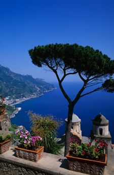 Italy Vacation: Amalfi Coast Romantic Explorer  Discover the dramatic landscape and vibrant seaside atmosphere of the Amalfi Coast. Explore the ancient site of Pompeii, visit the Blue Grotto on Capri, wander the narrow streets of romantic Positano, and sip Limoncello in the piazzas of Amalfi and Ravello