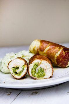 Roladki z pesto w szynce parmeńskiej Mozzarella, Pesto, Baked Potato, Sushi, Sausage, Good Food, Food And Drink, Meals, Baking