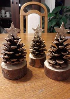 Trendy cute christmas tree decorations pine cones Trendy cute christmas tree decorations pine cones 29 DIY Christmas Decorations Ideas > Christmas Ornament Ideas You Can Try To Made It Xmas Crafts, Christmas Projects, Rustic Christmas Crafts, Christmas Wood Decorations, Christmas Crafts With Pinecones, Pinecone Ornaments, Spring Crafts, Pine Cone Decorations, Decorating With Pine Cones