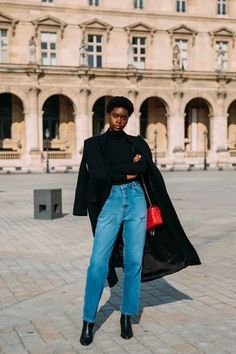 The Best Street Style at Paris Fashion Week Fall 2021 | Vogue Nyfw Street Style, Urban Street Style, Street Style Trends, Street Style Summer, Autumn Street Style, Cool Street Fashion, Casual Street Style, Street Style Looks, Street Style Women