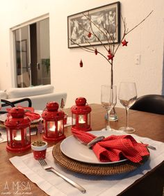 christmas table setting - stars, red and white