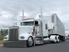 Dually Trucks, Peterbilt Trucks, Big Rig Trucks, Semi Trucks, Cool Trucks, Custom Big Rigs, Custom Trucks, Train Truck, Peterbilt 379