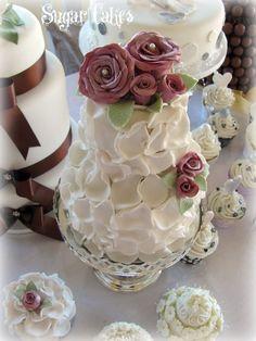 Wedding Vintage rose cake