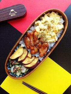 posted from @reycord_2013 ふわふわ玉子と鶏の照り焼き、さつまいもの素揚げときゅうりの和え物。