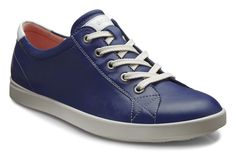 ECCO is a global leader in innovative comfort footwear for men, ladies and kids. Scandinavian Fashion, Lace Up Trainers, Unique Shoes, Girls Shoes, Ladies Shoes, Uk Online, Casual Shoes, High Top Sneakers, Footwear
