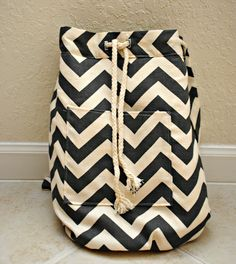 http://www.trashtocouture.com/2012/10/diy-backpack.html