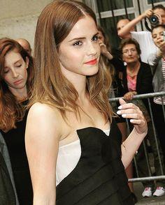 """Assiste spectacle Christian Dior à la Fashion Week de Paris 7/07/2014"". The Face The Most Beautiful of the World ...."