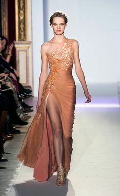 View all the catwalk photos of the Zuhair Murad haute couture spring 2013 showing at Paris fashion week. Read the article to see the full gallery. Zuhair Murad, Style Haute Couture, Couture Fashion, Runway Fashion, Spring Couture, Fashion Fashion, Couture 2015, Couture Week, 1950s Fashion