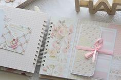 Mini Scrapbook Albums, Baby Scrapbook, Scrapbook Paper, Mini Albums, Diy Crafts For Girls, Diy And Crafts, Paper Crafts, Diy Mini Album, Dreamcatcher Wallpaper