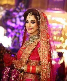 Pakistani Wedding Outfits, Indian Bridal Outfits, Indian Bridal Lehenga, Indian Dresses, Bridal Makeup Looks, Wedding Makeup, Wedding Bride, Dream Wedding, Wedding Ideas