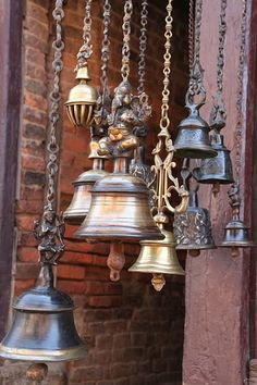 I collect brass bells!, brass cymbals, brass singing bowls and I dream of finding a Mariner's Bell! Love this windchime! Travel Photographie, Love Bells, Temple Bells, Ring My Bell, Singing In The Rain, Feng Shui, Garden Art, Decorative Bells, Wind Chimes