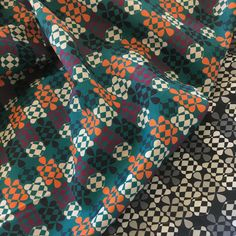 ZURI and IMANI fabric | Arewa Daya (1) | from the #outofafrica collection for @oneofeach Fold-over and Tote Bags. #PatternDesign is inspired by the Arewa knot symbol, a familiar fixture in many Northern Nigerian artistic works and the symbol is also used on woven ancient fabrics in West Africa and is still used in modern clothing by different tribes in Nigeria. . . . . . .  #zuriandimani #zuriandimanifabrics #changingthenarrativeoftheafricanprint #UNafraid #proudlyAfrica #africantextiles…