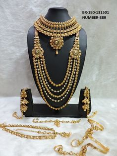 Fulfill a Wedding Tradition with Estate Bridal Jewelry Indian Jewelry Sets, Indian Wedding Jewelry, Bridal Jewelry Sets, Bridal Accessories, Bridal Jewellery, Arabic Jewelry, India Jewelry, Girls Jewelry, Handmade Jewellery