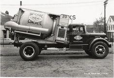 Old Concrete Mixer Truck Mix Concrete, Concrete Mixers, Vintage Trucks, Old Trucks, Truck Driving Jobs, Cement Mixer Truck, Equipment Trailers, Dump Trailers, Long Island City