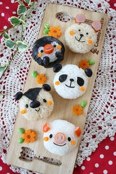 Cute onigri or Japanese rice ballssausage as ears / nose / mouthOnigiri for bentojapanese food, sushi, sashimi, japanese sweets, for japan lovers Japanese Bento Box, Japanese Food Art, Japanese Sweets, Japanese Rice, Bento Kids, Cute Bento Boxes, Kawaii Bento, Food Art For Kids, Tsumtsum