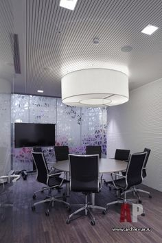 Фото интерьера переговорной офиса в современном стиле