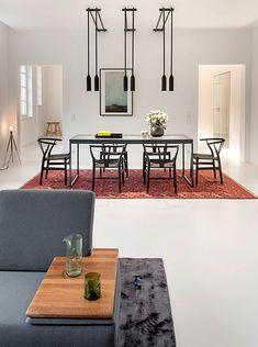 germany 2014 - apartment - refurbishment - komdo.co - clemens tremmel - .PSLAB - zementfabrik - oak - cement - carpet - vintage - dining table - living room - sofa - lights - beton - boden - eiche - teppich - essbereich - esstisch - wohnbereich - lampe